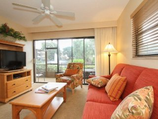 600NW-I153. Elegant 2 Bedroom 2 Bath Condo in Naples Park Shore Resort