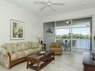 Renovated 2 Bedroom 2 Bath Condo in GreenLinks Golf Community. 7985MRL-1422, Napoli