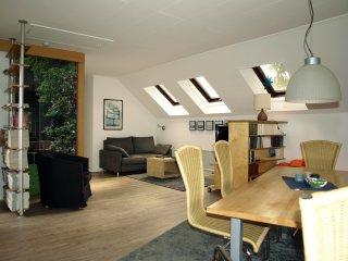 Wohnzimmer/ Blick auf TV-Ecke