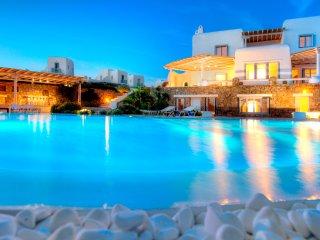 7 Bedroomed Villa Private pool with Jacuzzi In Mykonos,Greece-282, Cidade de Míconos