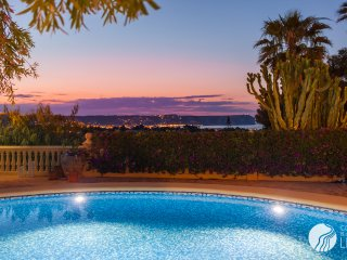 BREATHTAKING VILLA WITH STUNNING VIEWS IN JAVEA