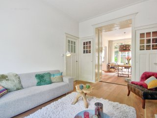 Child friendly apartment at the Vondelpark with Garden