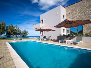 Arion Krini Villa, High Quality Villa with Panoramic View and Full Privacy
