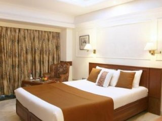 Vista Rooms near Juhu Beach 3
