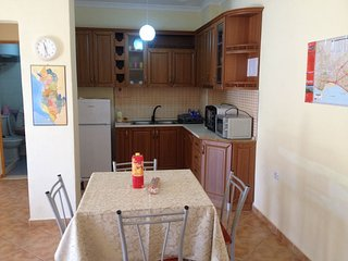 LOVELY AND HUGE APARTMENT 2 MIN FAR  FROM THE BEACH - IDEAL FOR LONG STAYS