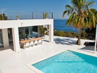 Villa para 10 personas con vistas al mar en ibiza