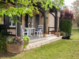 Frances Field, 2 pools in glorious gardens, adults only, self catering luxury., Bourniquel