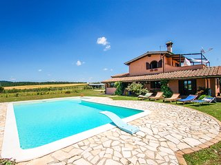Villa with private pool 8km from Bracciano, 40km from Rome