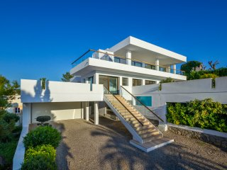 Can Roy. Stunning modern villa in Talamanca with great views close to Ibiza town
