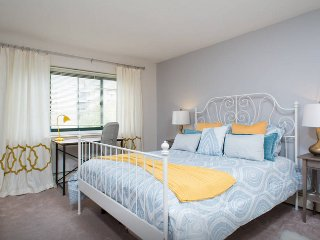 Perfect Harvard Square 2 bedroom with PARKING OPTION