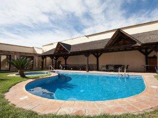 Cortijo Olivar del Desierto 'Luxury in Desert'