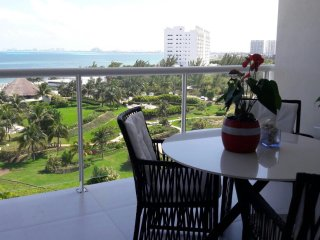 Marvelouse Ocean Front View apartment, 6th floor  4-6 people