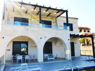 Top Luxury stone villa,4 bedrooms,sea view, private pool , close to sandy beach, Kalyves