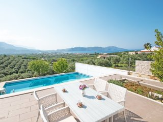 Beautiful 3 bedroom villa, Private pool, Incredible sea & countryside views