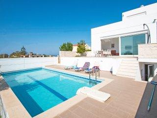 Beautiful 3 bedroom villa, Private pool, Incredible sea & countryside views