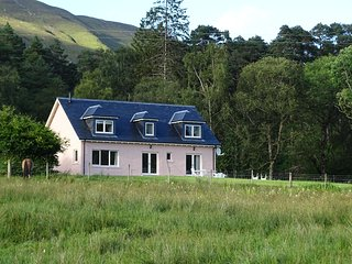Tigh Beag, tranquil West Highland self-catering retreat, Fort William
