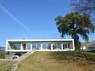 MAISON LUMINEUSE 260 M2 AVEC PISCINE A LA CAMPAGNE, Vila Verde