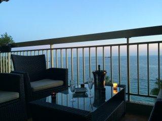 EXCEPTIONNEL face mer panoramique avec terrasse 2 pers. - Juan les Pins Centre