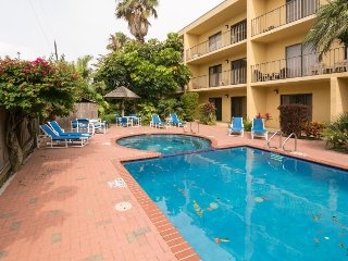 Casual and comfy condo with a shared pool, hot tub, and prime location!