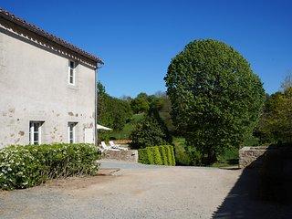 Logis 4 etoiles a 10 min du Puy du Fou : L'Escale du Bocage