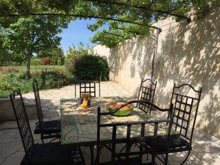 Charmant rez de jardin en Provence
