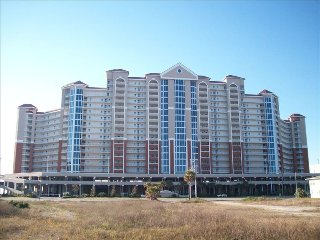 Gulf-front 2 King Bedrooms + Bunk Room/2 bath at Lighthouse walk to The Hangout