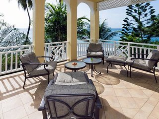 Flamboyant Suite By The Sea - Resort on the Caribbean side with Shared Pool