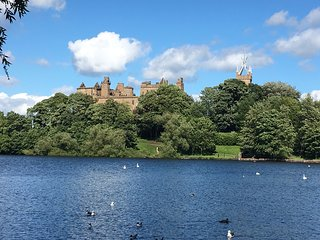 Spacious family home with fantastic views in historic Linlithgow