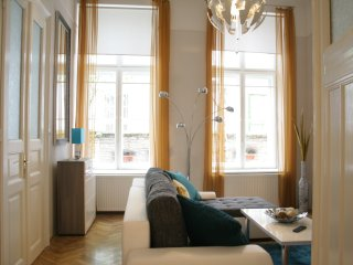 Oktogon/Andrassy Grand Luxe apartment (80m2+)