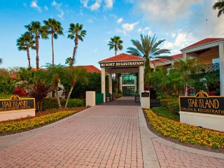 ORLANDO/OLD TOWN SLEEPS 8! 3 BD LOCKOFF!  Star Island Resort & Club