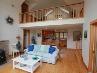 FIFIELD POINT GUEST COTTAGE - Stonington
