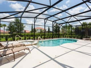 Beautiful 6 Bd house with private pool- SLT101