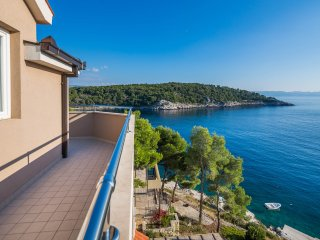 25 m from Beach, Swimming Pool, Sea-view Balcony, Parking Space