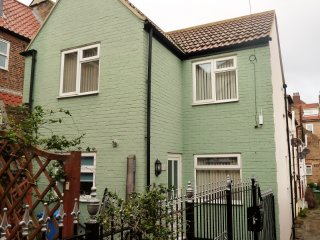 4*Thornaby cottage & Parking dogs welcome centre of town nr little A Elsinore