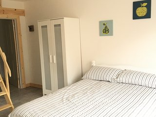 Centrally located studio, Newport