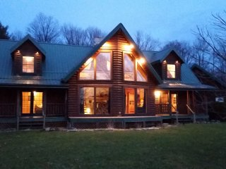 Lodge on Pine Ridge, private 50 acres, Emlenton