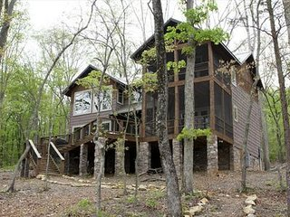 Beautiful Home on High Rock Lake - Sleeps 8-12