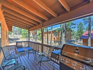 Cabin w/Deck & Grill - 9 Miles to Downtown Pinetop