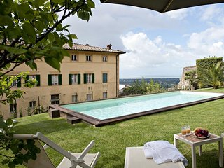 Large Historic Tuscan Villa with a Pool and Panoramic Views to the Sea - Villa F