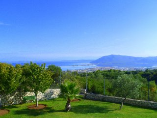 Villa Filis - 1 Bedroom apartment in magnificent hilltop Villa with amazing view, Lefkada Town
