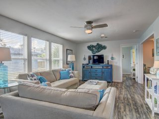 The Blue Pearl, cute 2 bedrm cottage in 'Old Town' Port Aransas