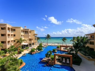EL FARO C305 - Ocean View Beachfront Condo