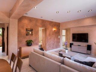 Meni's Home - wonderful 3 bedroom apt.