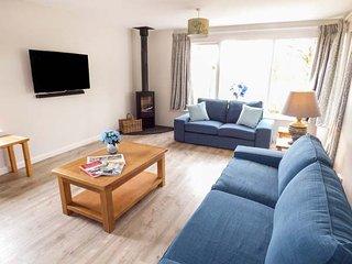 BEECH, wonderful Lakeland cottage, hot tub, en-suites, WiFi