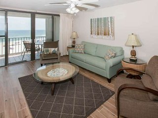 Gulf-front 4th Floor | Outdoor pool, BBQ, Wifi | Free golf, fishing, dolphin cru