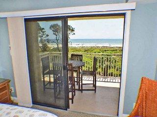 Shorewood 305 - Oceanfront 3rd Floor Condo