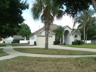 Orange Tree 6/4 pool home property, fully furnished, with full kitchen, and all linens and towels