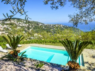 Amalfi Coast private Villa dei Galli with private pool, walking distance to town