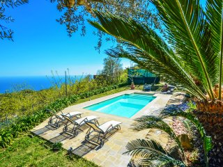 VILLA DEI GALLI,walking distance to town,sea view,private pool,wifi