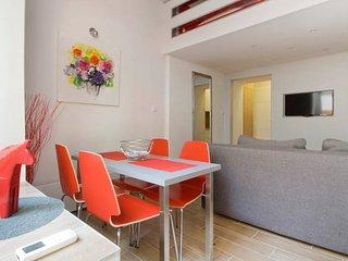 Kiraly/Oktogon/Opera Red Studio Duplex-Style 30sqm+8sqm Galery